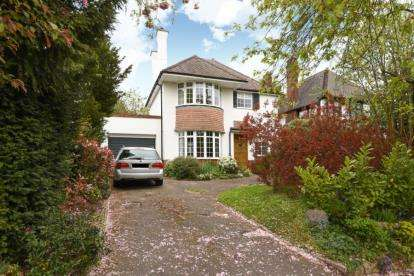 3 Bedrooms House for sale in Clarendon Way, Chislehurst