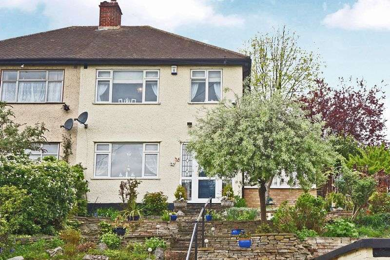 3 Bedrooms Semi Detached House for sale in Midhurst Hill, Bexleyheath
