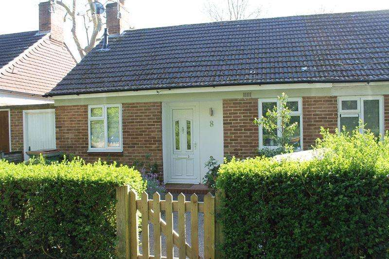 1 Bedroom Semi Detached Bungalow for sale in LEATHERHEAD