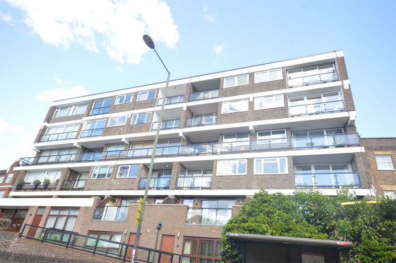 2 Bedrooms Flat for sale in Robins Court, 134 Petersham Road, Richmond, Surrey