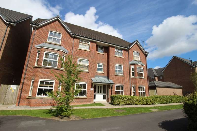 2 Bedrooms Flat for sale in Sunningdale Court, Little Lever, Bolton, BL3