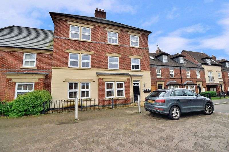 2 Bedrooms Flat for sale in Partington Square, Sandymoor, WA7 1LW