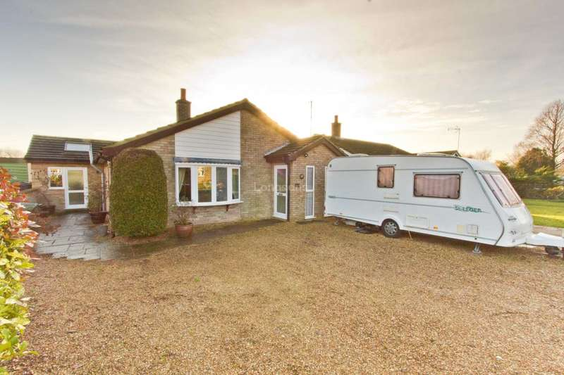 4 Bedrooms Detached Bungalow for sale in Old Vicarage Park, Narborough