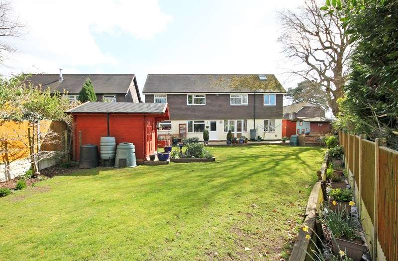 4 Bedrooms Detached House for sale in Wiltshire Gardens, Bransgore, Christchurch