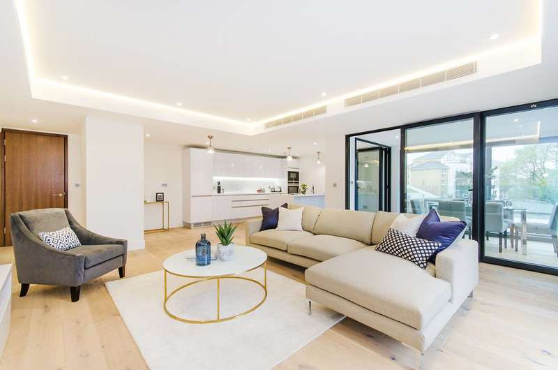 2 Bedrooms Flat for sale in Fifty Sulivan Road, Sands End, SW6