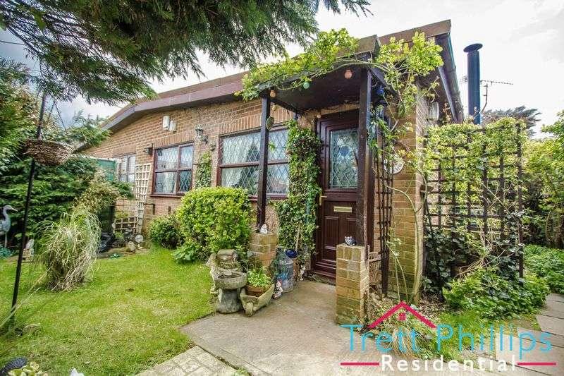 2 Bedrooms Semi Detached Bungalow for sale in Coastline Village, Walcott