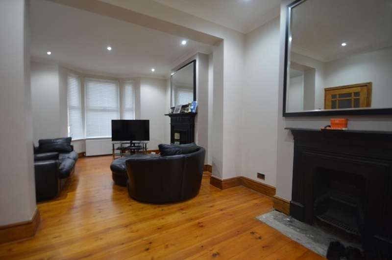 3 Bedrooms Terraced House for sale in Davenport Road Catford SE6