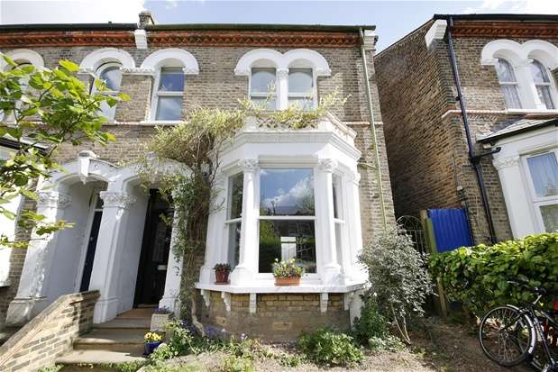 5 Bedrooms Semi Detached House for sale in Barry Road, East Dulwich