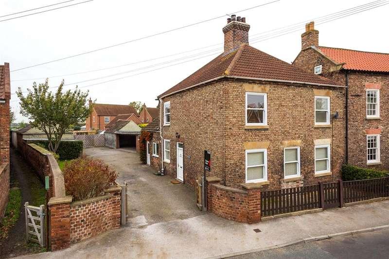 4 Bedrooms Detached House for sale in Kelfield Road, Riccall, York, YO19