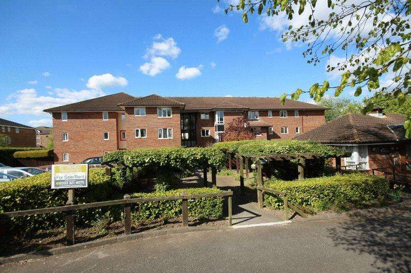 2 Bedrooms Retirement Property for sale in Clover Court, Haywards Heath