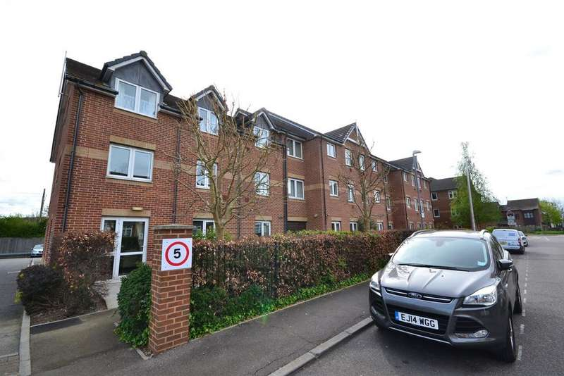 1 Bedroom Flat for sale in Butts Road, Stanford-le-Hope, SS17