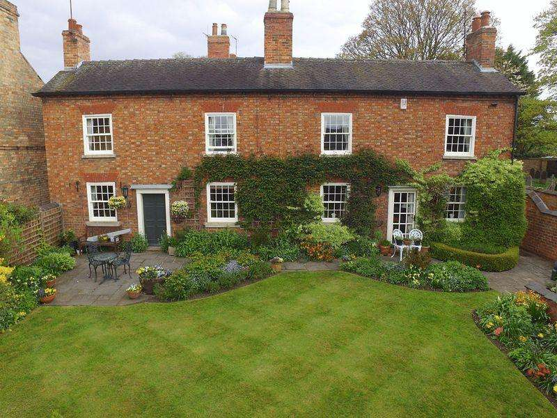4 Bedrooms Cottage House for sale in Church Street, Ockbrook