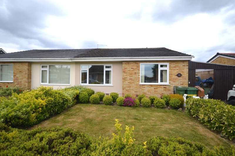 2 Bedrooms Semi Detached Bungalow for sale in Gresham Road, Coxheath, Maidstone, ME17