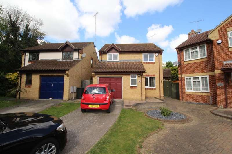 3 Bedrooms Detached House for sale in Steele Avenue, Greenhithe, DA9