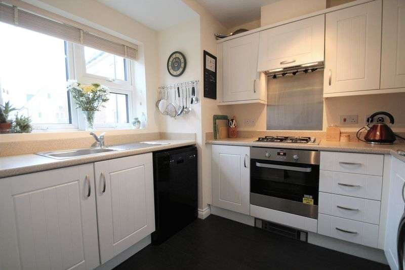 4 Bedrooms Semi Detached House for sale in Royal Architects Road, East Cowes