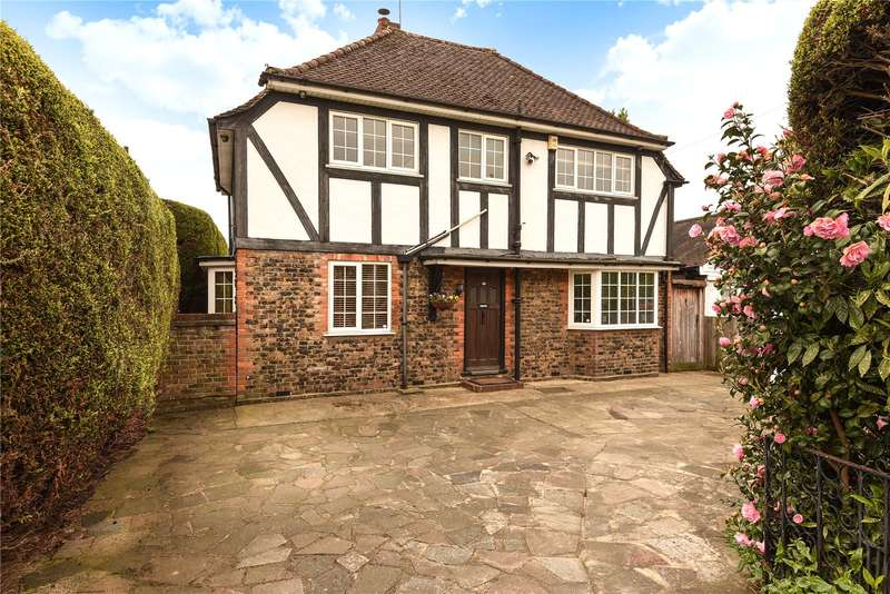 4 Bedrooms House for sale in Peachey Close, Uxbridge, Middlesex, UB8