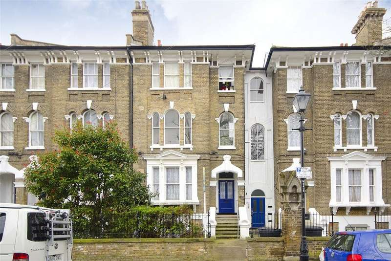 2 Bedrooms Flat for sale in Mornington Grove, Bow, London, E3