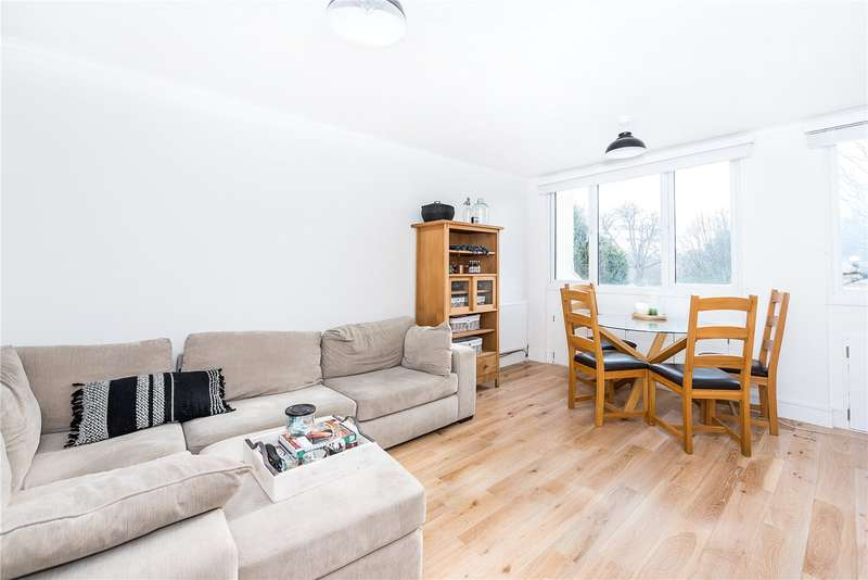 2 Bedrooms Flat for sale in Parsons Mead, 58 Holmesdale Road, Teddington, TW11