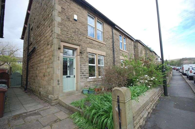 3 Bedrooms Semi Detached House for sale in Sheffield Road, Glossop