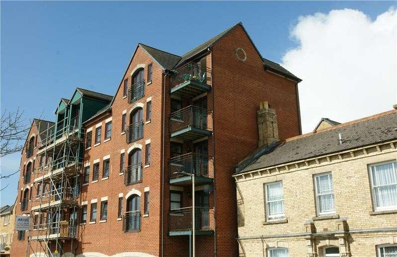 2 Bedrooms Apartment Flat for sale in 22 Riverside Court, Barnstaple, EX31 1ET