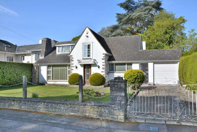 3 Bedrooms Detached House for sale in Elgin Road, Talbot Woods, Bournemouth