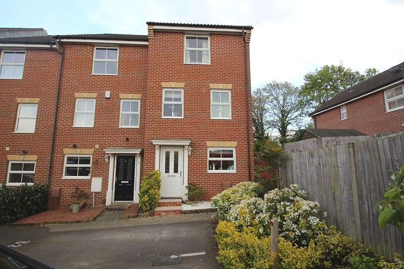 3 Bedrooms Town House for sale in Sunlight Gardens, Fareham