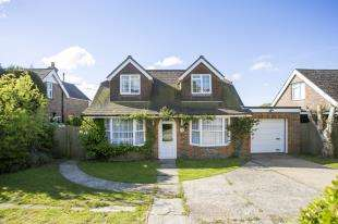 4 Bedrooms Bungalow for sale in Spring Hill, Punnetts Town, Heathfield, East Sussex