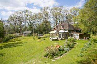 5 Bedrooms Detached House for sale in Catts Hill, Mark Cross, Crowborough, East Sussex