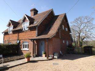 3 Bedrooms Semi Detached House for sale in Coach Hill Cottages, Conghurst Lane, Hawkhurst, Cranbrook