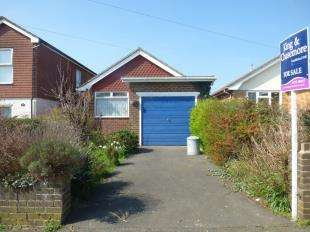 2 Bedrooms Bungalow for sale in Cavell Avenue North, Peacehaven, East Sussex