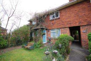 3 Bedrooms Terraced House for sale in The Mount, Uckfield, East Sussex