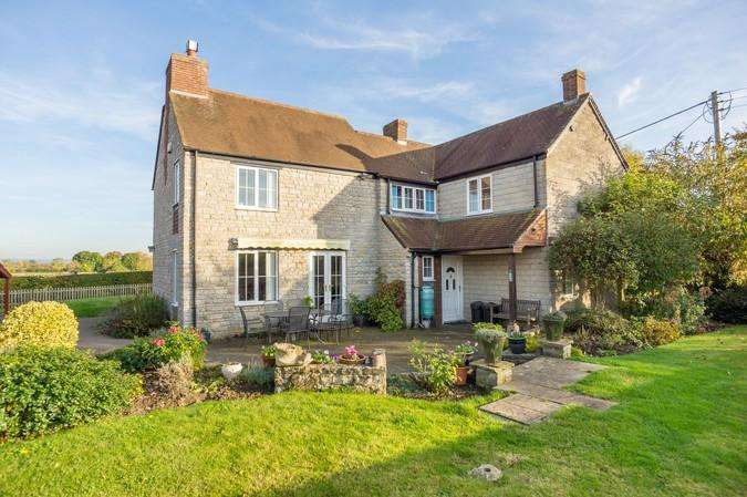 4 Bedrooms Detached House for sale in Draycott, Yeovil