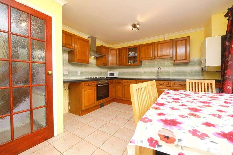 3 Bedrooms Semi Detached House for sale in FANE DRIVE, BERINSFIELD