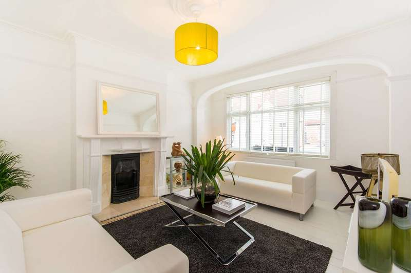 1 Bedroom Flat for sale in Seely Road, Tooting, SW17