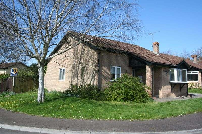 3 Bedrooms Detached Bungalow for sale in Milton Close, Llantwit Major