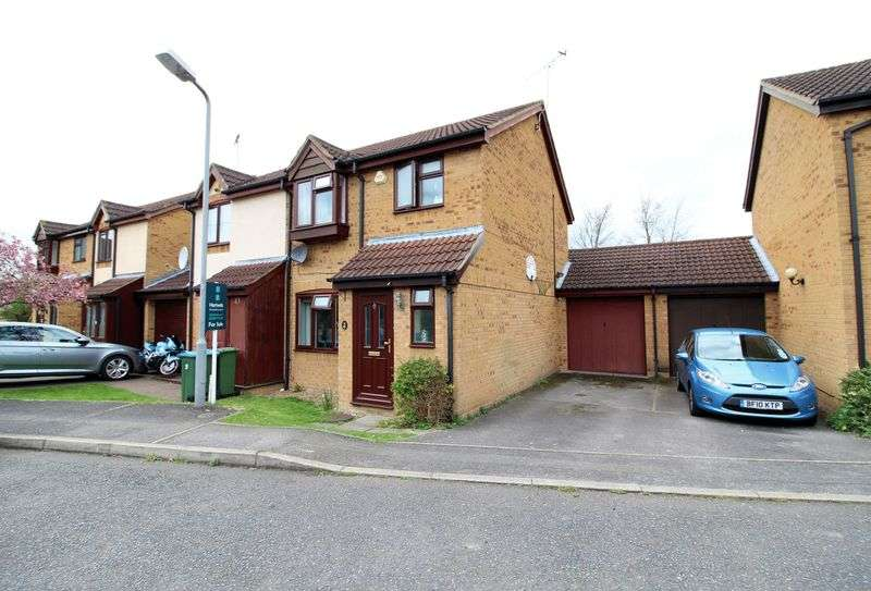 3 Bedrooms Semi Detached House for sale in Little Orchards, Aylesbury
