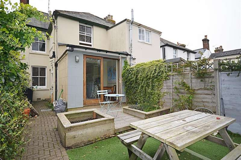 2 Bedrooms Semi Detached House for sale in Ferry Road, Rye