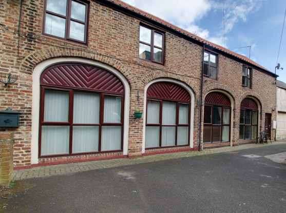 2 Bedrooms Terraced House for sale in West Park Garth, Stockton-On-Tees, Durham, TS21 2BE