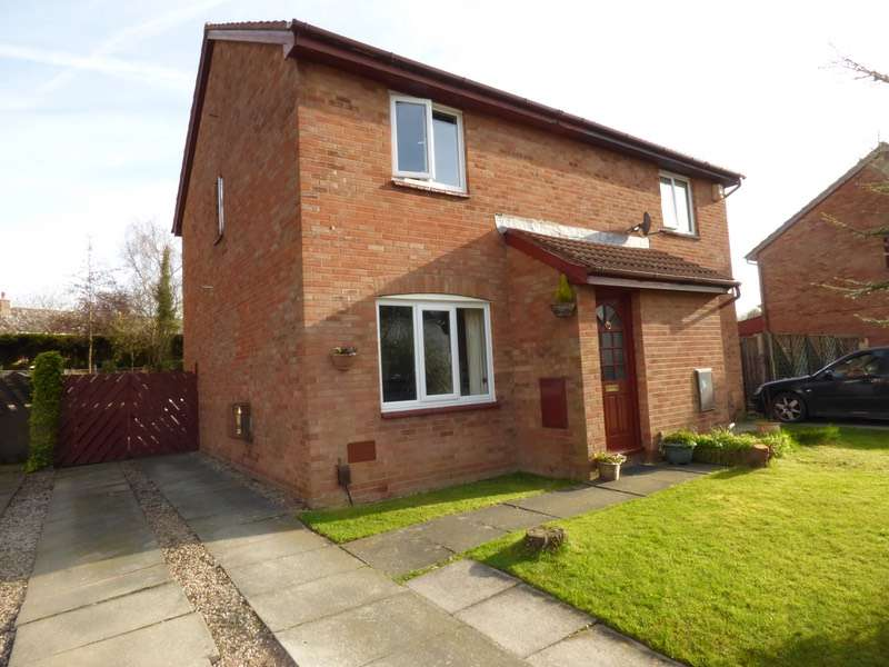 3 Bedrooms Semi Detached House for sale in White Meadow, Preston, Lancashire, PR2