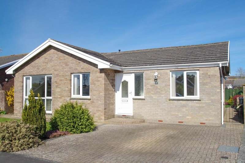 3 Bedrooms Detached Bungalow for sale in Windsor Drive, Shanklin, Isle of Wight, PO37