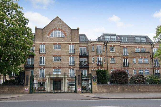 2 Bedrooms Flat for sale in Bryant Court, 278 The Vale, Acton