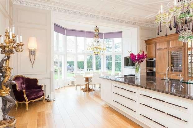 4 Bedrooms Flat for sale in Wall Hall Mansion, Radlett, Aldenham, Hertfordshire