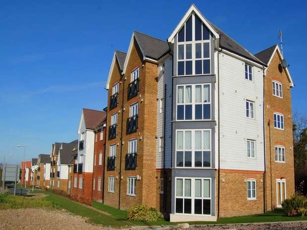 2 Bedrooms Flat for sale in Wherry Close, Margate, Kent