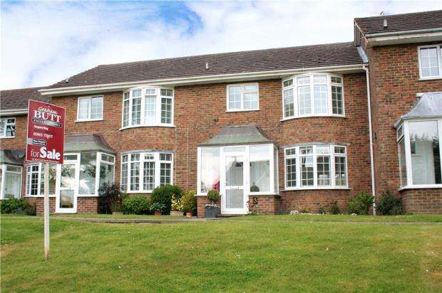 3 Bedrooms Terraced House for sale in West Drive, Ham Manor, Angmering, West Sussex, BN16