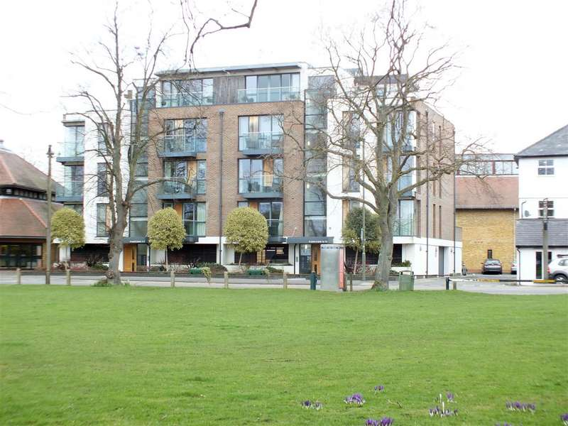 2 Bedrooms Flat for sale in Queens Road, Hersham, Walton-On-Thames