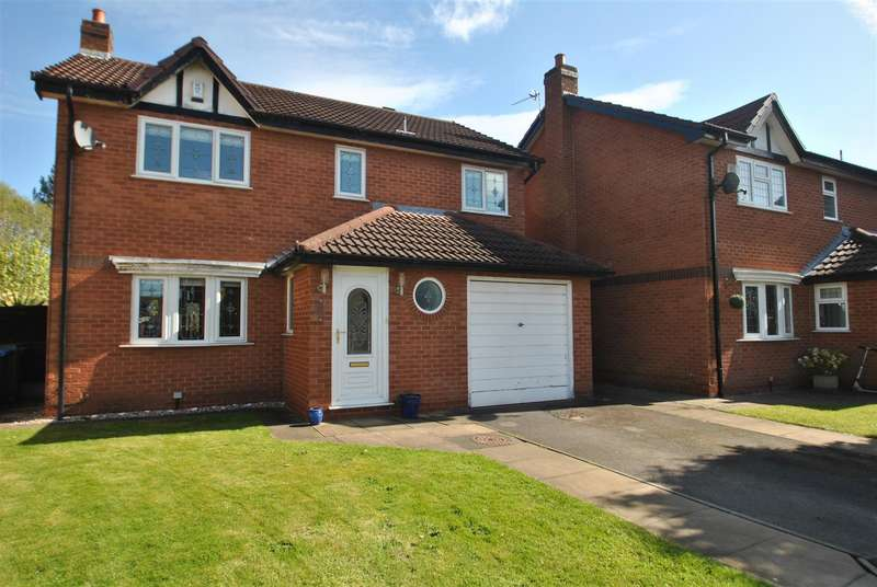 4 Bedrooms Property for sale in Clares Farm Close, WOOLSTON, Warrington, WA1
