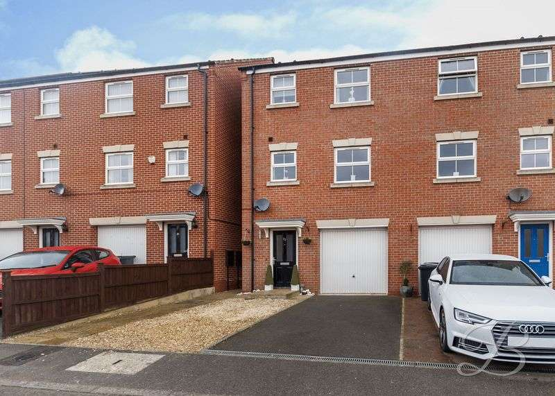 4 Bedrooms Semi Detached House for sale in Naples Crescent, Pleasley