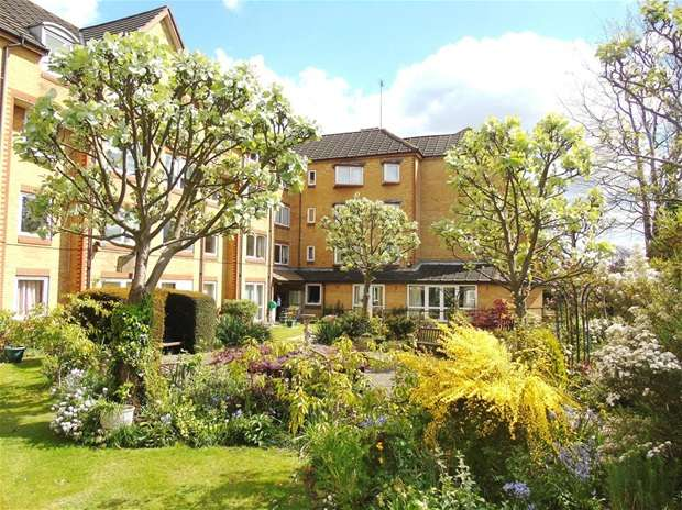 1 Bedroom Flat for sale in Cassio Road, Watford