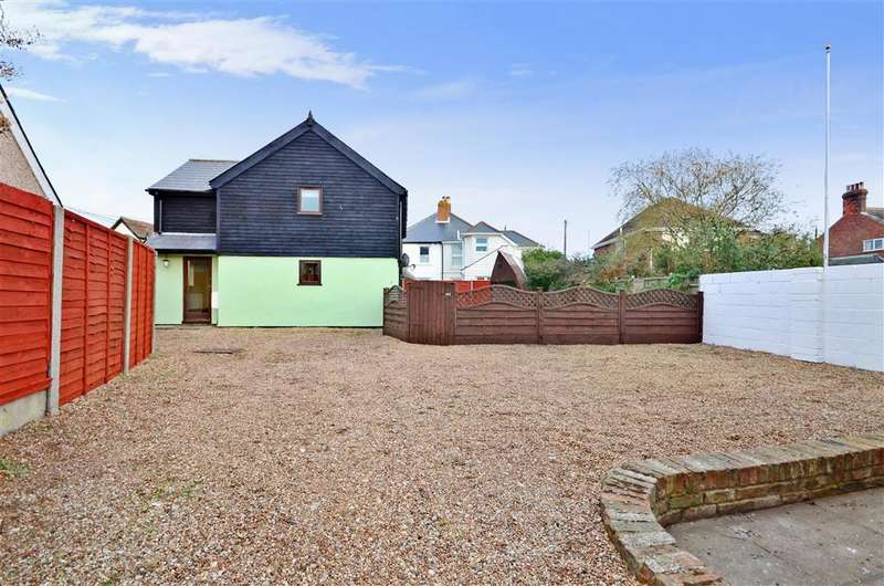 2 Bedrooms Detached House for sale in Read 32-36 Skinner Street, Lydd, Kent