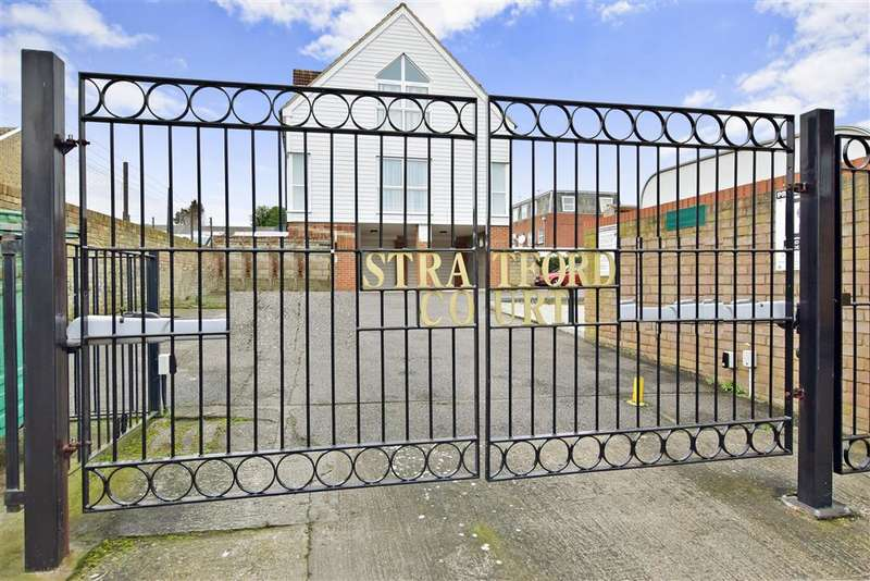 2 Bedrooms Apartment Flat for sale in Stratford Lane, Rainham, Gillingham, Kent